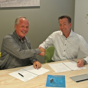 Remco van der Molen Kuipers, commercieel directeur Axez ICT Solutions en Geert Visser, directeur Ictivity
